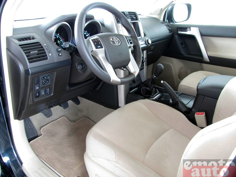 Photo Toyota Land Cruiser 3.0 D4D 173 modèle 2010