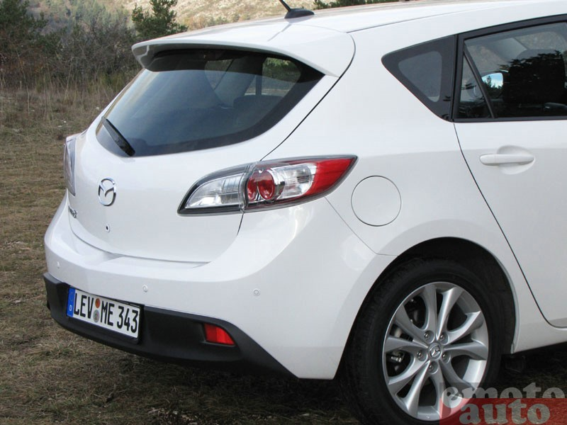 Photo Mazda Mazda3 1.6 MZ-CD 115 modèle 2010