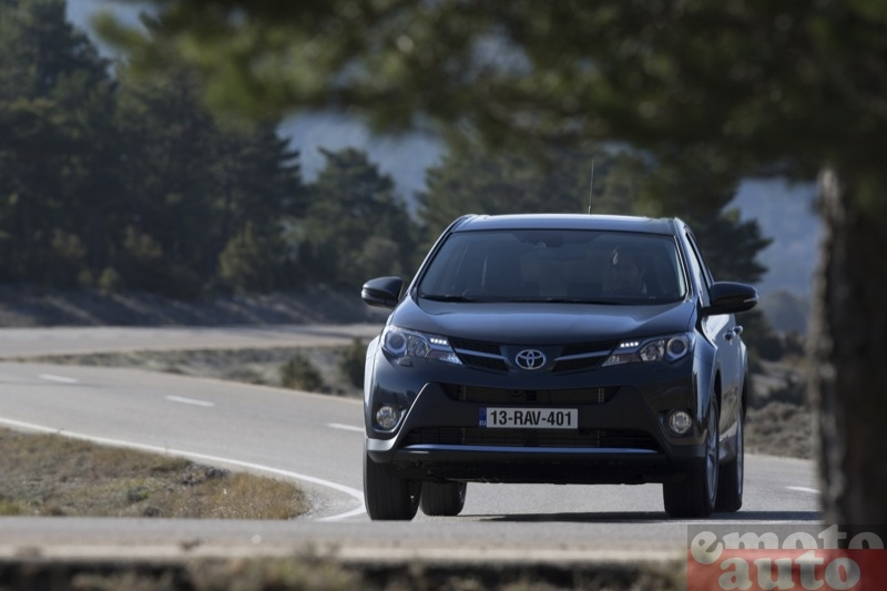 Photo Toyota RAV4 2.0 D4D 124 modèle 2013