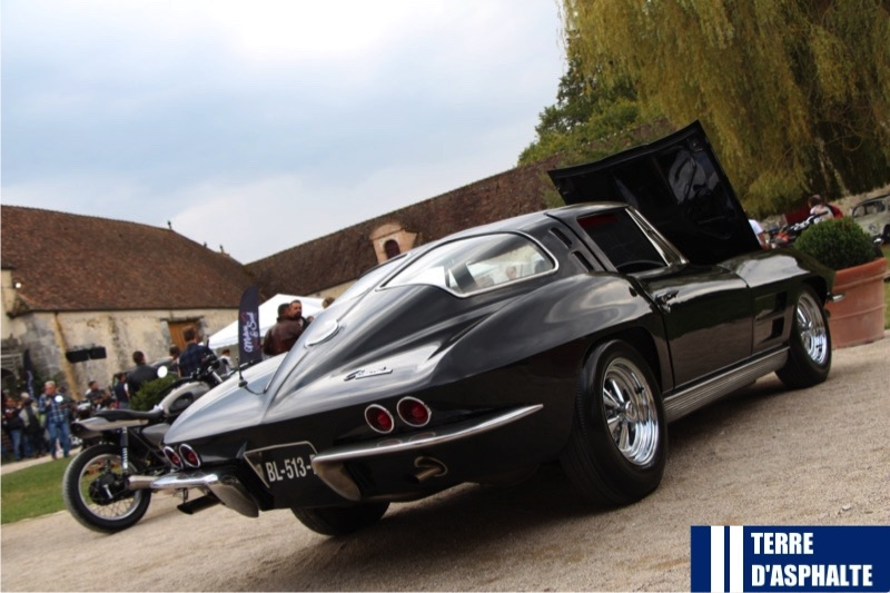 chevrolet corvette stingray split window coupe