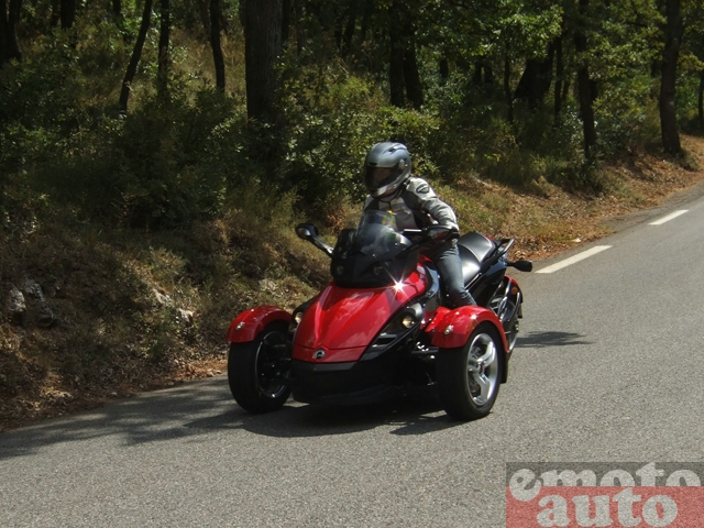 Photo Can-Am Spyder RS SE5 modèle 2008