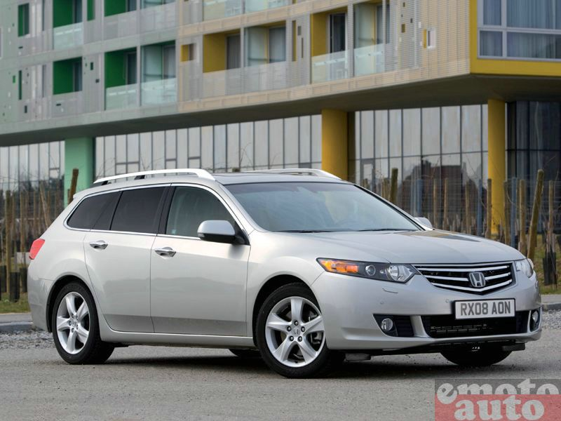 Photo Honda Accord Tourer 2.2 i-DTEC 150 BA modèle 2009