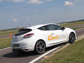 contisportcontact 5p renault megane rs
