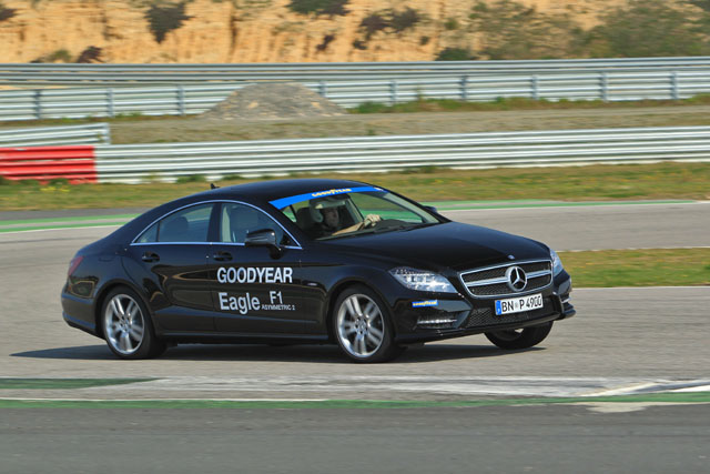 Goodyear Eagle F1 Asymmetric 2 : Monteblanco, Mercedes CLS 350 courbe s�che