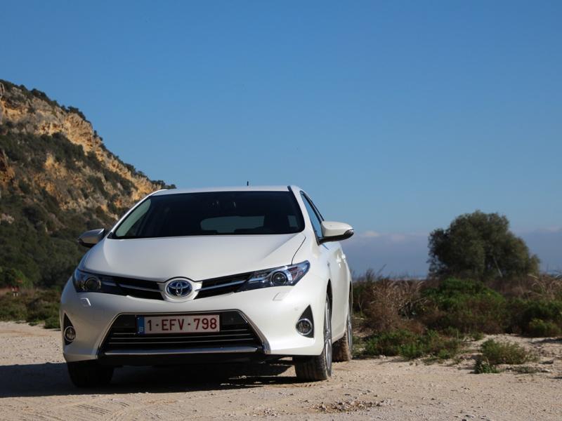 Essai Toyota Auris Hybride 2012 par Jean-Michel Lainé
