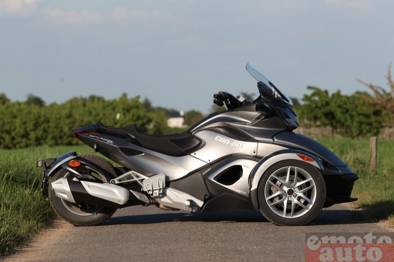 Photo Can-Am Spyder ST SM5 modèle 2013