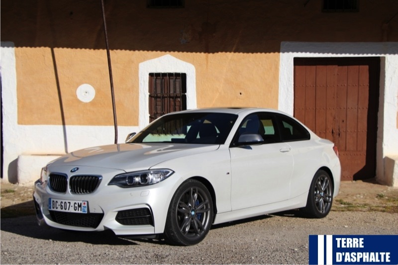 Photo BMW M235i modèle 2014