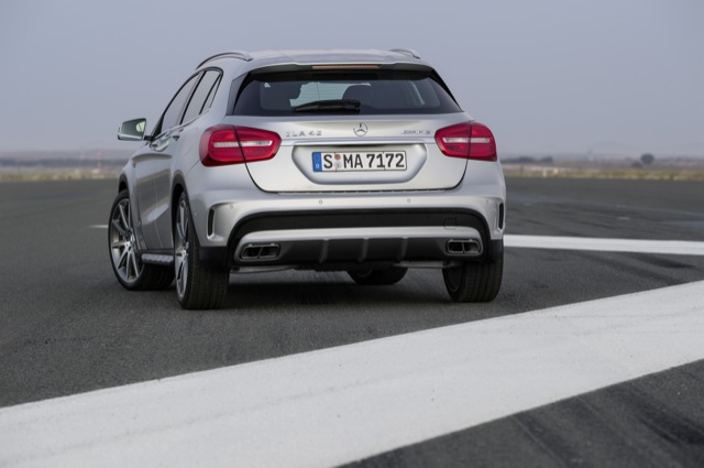 mercedes gla 45 amg arriere